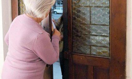 """Finto vigile e tecnico dell'acqua ancora al """"lavoro"""" a Tradate: l'anziana grida e li fa scappare"""