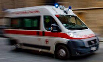 Scontro tra tre auto a Venegono, una giovane ferita