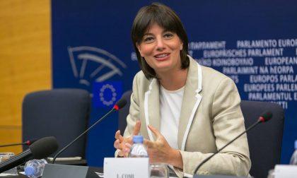 """Elezioni Venegono, Lara Comi: """"Asfaltato il paese, altro che la Raggi a Roma"""""""