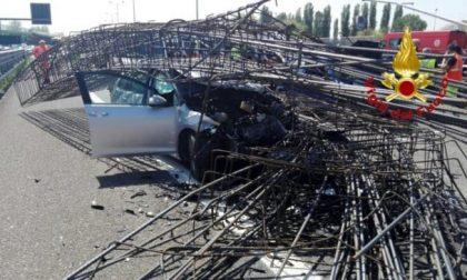 Tangenziale Ovest chiusa per incidente diversi feriti FOTO