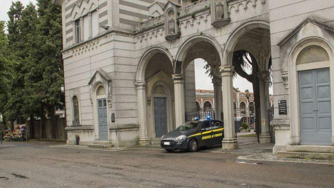 Cappella Funeraria perquisita, sequestrati timbri del Tribunale di Busto