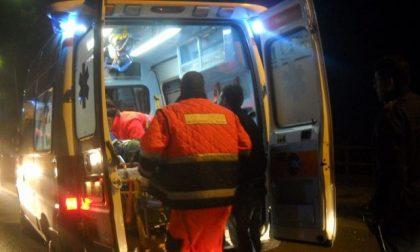 Fuori strada con l'auto, 60enne in ospedale SIRENE DI NOTTE