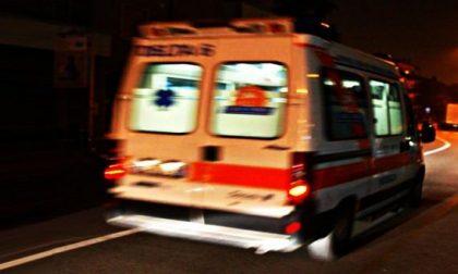 Scontro tra due auto, soccorse due persone SIRENE DI NOTTE
