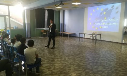 Lara Comi alla festa dell'Europa nella scuola Rodari di Saronno