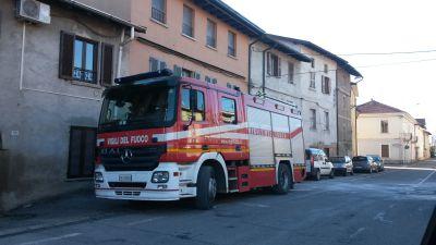 Incendio a Tradate, coppia intossicata: indagato il vicino