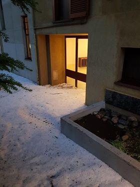 Condominio bloccato dal ghiaccio &#8211&#x3B; LE FOTO