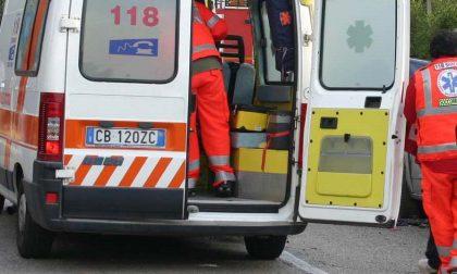 Incidente stradale a Porto Ceresio: 4 persone coinvolte