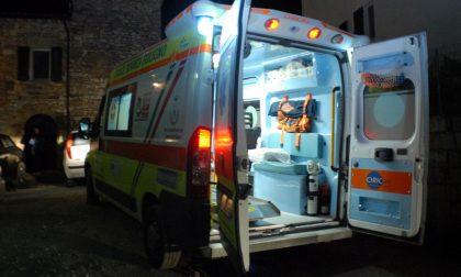 Auto contro ostacolo, ferite 4 persone SIRENE DI NOTTE