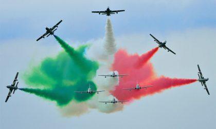"""""""Pioggia"""" verde su Venegono, Leonardo rassicura e si scusa: """"Nessun rischio per la salute, residui di fumogeno"""""""