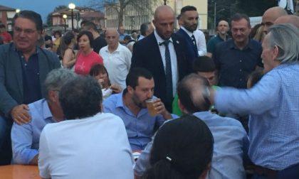 Salvini in Bergamasca, birra e salsiccia col popolo della Lega