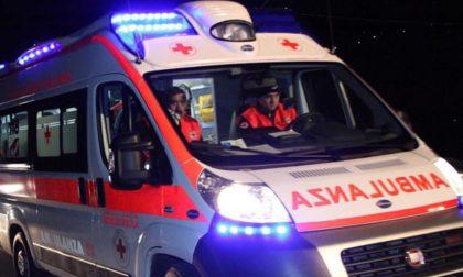 Ciclista investito, soccorso un 39enne SIRENE DI NOTTE