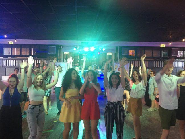 S.Vittore, i nuovi 18enni ballano in discoteca col sindaco FOTO