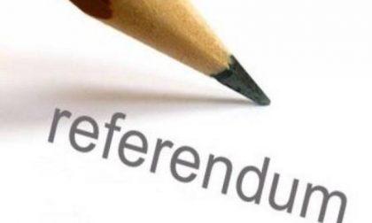 Referendum, Azione in piazza a Saronno per dire No