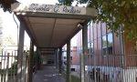 Scuola Rodari, pannelli che cadono e classi trasferite in biblioteca