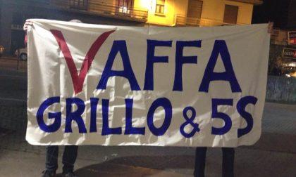 """Beppe Grillo contestato a Varese: ora il """"Vaffa"""" è tutto per lui"""