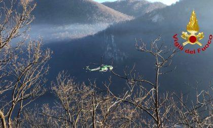 Incendio Monte Chiusarella, evacuato l'abitato di Alpe Cuseglio VIDEO e FOTO