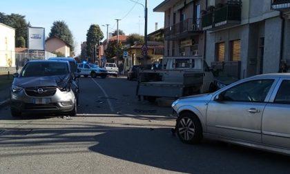 Incidente a Cerro Maggiore, quattro auto coinvolte