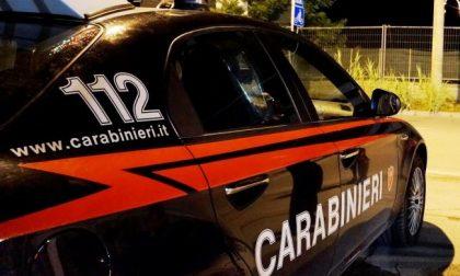 Inseguimento e sparatoria dopo la fuga dal Comasco: feriti il fuggitivo e un carabiniere