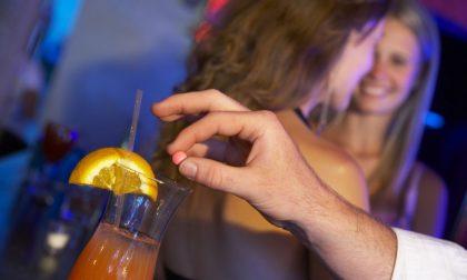 Droga dello stupro nei cocktail, ragazzina finisce in coma