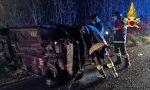 Si ribalta con l'auto, soccorso 32enne FOTO – SIRENE DI NOTTE