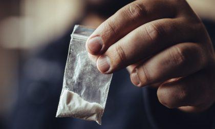 Cocaina nell'auto della comandante della Polizia locale, arrestato il collega di Trezzano: aveva ordito tutto lui