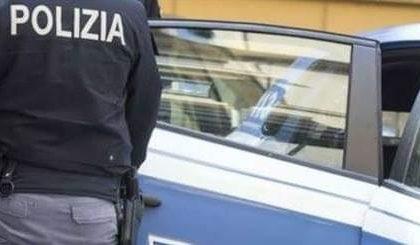 Prende a stampellate un clochard, 35enne arrestato per tentato omicidio