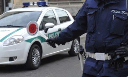 """Incidente e fuga dalla Polizia con l'auto della compagna: """"Stavo andando dall'amante…"""""""