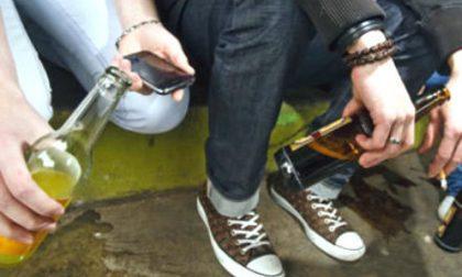 Minorenni ubriachi in centro, esercizio commerciale sanzionato grazie ai genitori