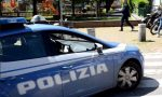Fermato prima della consegna con due panetti di hashish in tasca, due giovani arrestati