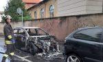 Auto bruciata dalle fiamme a Nerviano FOTO