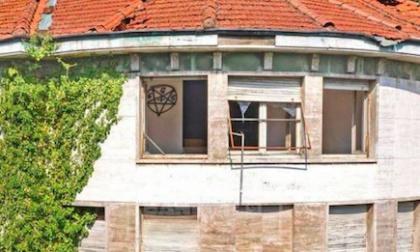 """Villa """"satanica"""" in vendita a Fagnano Olona… e il web impazzisce"""