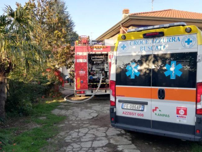 Legnaia avvolta dalle fiamme: intervengono i pompieri FOTO