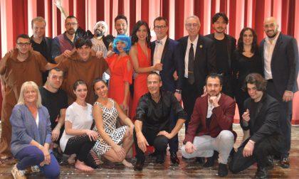 """Pienone in teatro per il Galà del Sorriso """"La magia esiste"""" FOTO"""
