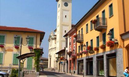 Giochi e bolle di sapone in piazza a Lazzate