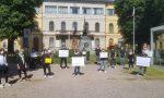 Fase 2, negozi chiusi: protesta dei commercianti di Tradate e Abbiate VIDEO