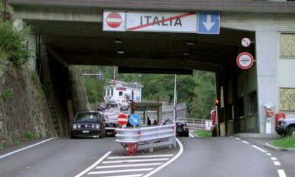 """Tampone obbligatorio per varcare il confine Italia-Svizzera. Currò (M5s) contro Speranza: """"Danno all'economia di frontiera"""""""