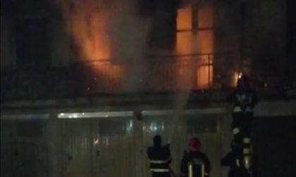 Incendio nella notte, brucia un appartamento a Venegono FOTO
