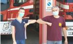 14enne di Olgiate Olona realizza una scultura in legno per i pompieri