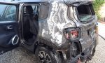 """Per """"salvare"""" l'auto dalle fiamme si ustiona FOTO"""