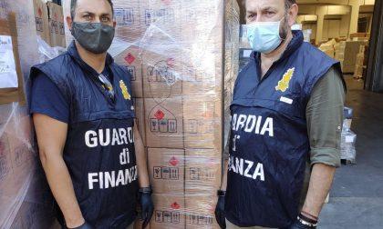 Oltre 300mila flaconi di falso igienizzante sequestrati dalla Finanza: truffa tra Como, Milano e Varese