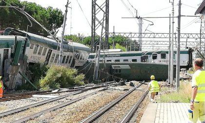 Treno deragliato lungo la Milano-Lecco FOTO VIDEO