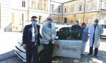 La fondazione Varese per l'oncologia dona una vettura all'Asst Sette Laghi