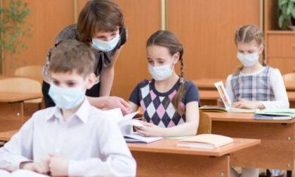 A scuola ipotesi mascherine obbligatorie sopra i sei anni, anche se distanziati