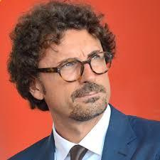 Il senatore Toninelli fa tappa a Saronno per sostenere Longinotti