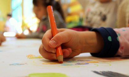 """Retromarcia: niente didattica in presenza per i figli dei """"lavoratori indispensabili"""" (per ora)"""