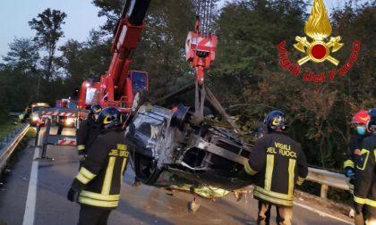 Tremendo incidente al Bosco di Valle: un'auto finisce nel fontanile FOTO