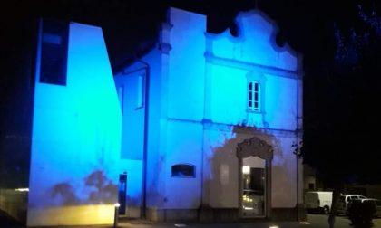 La biblioteca si colora di blu, in onore della Madonna del Rosario