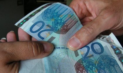 Banconote false al bar, 15enne denunciato per truffa
