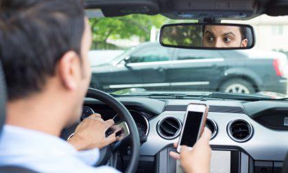 """""""Una telefonata può costarti la vita"""": al via a Olgiate una campagna contro il telefonino alla guida"""