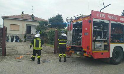 Canna fumaria in fiamme a Gorla Minore FOTO